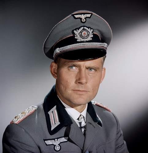 Click image for larger version.  Name:colonel-oberst-martin-hessler-robert-shaw-battle-of-the-bulge-warner-brothers-films-1394166678.jpg Views:1351 Size:181.3 KB ID:885676