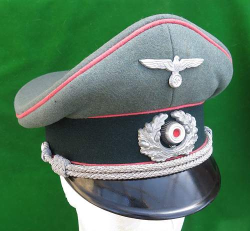 Click image for larger version.  Name:Heer Panzer Officer visor cap by HPC 004.jpg Views:455 Size:152.2 KB ID:892291
