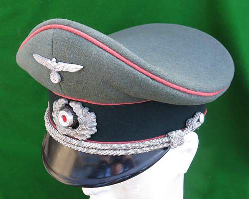 Click image for larger version.  Name:Heer Panzer Officer visor cap by HPC 007.jpg Views:105 Size:162.1 KB ID:892294