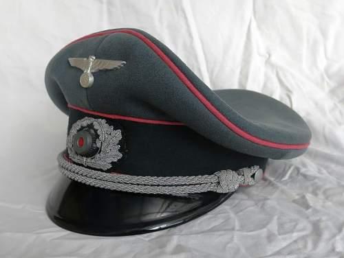 Click image for larger version.  Name:Panzer officer visor cap by Erel 002.jpg Views:143 Size:108.4 KB ID:907048
