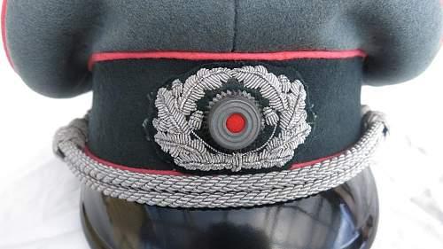 Click image for larger version.  Name:Panzer officer visor cap by Erel 006.jpg Views:136 Size:145.6 KB ID:907051