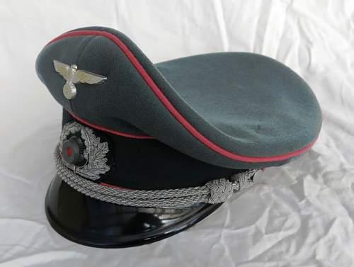 Click image for larger version.  Name:Panzer officer visor cap by Erel 007.jpg Views:86 Size:105.2 KB ID:907052