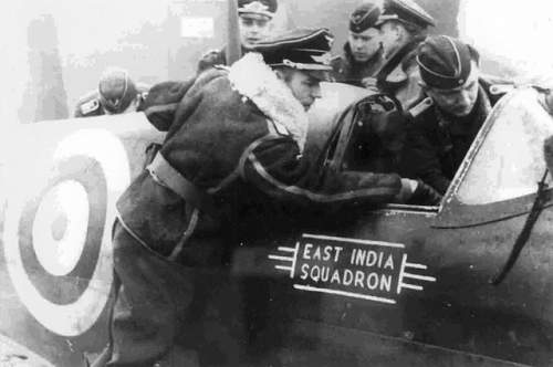 Click image for larger version.  Name:65-squadron-spitfire-ii-p7665-yt-l-examined-by-luftwaffe-crews-w640h480.jpg Views:65 Size:41.0 KB ID:909586