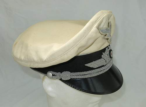 Click image for larger version.  Name:CW Luftwaffe Officer white top visor cap 005.jpg Views:69 Size:208.8 KB ID:915877