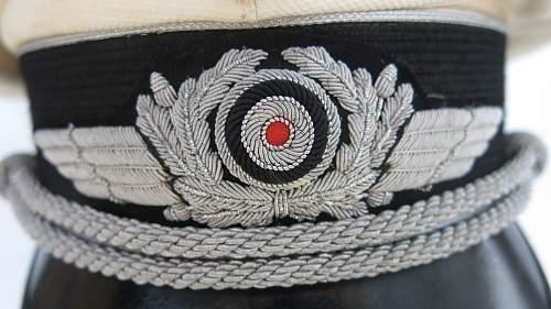 Click image for larger version.  Name:CW Luftwaffe Officer white top visor cap 009.jpg Views:26 Size:226.6 KB ID:915880