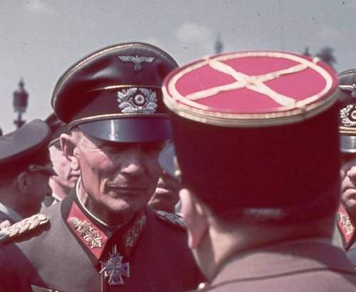 Post Your Favorite COLOR Period Photo of Headgear in Wear