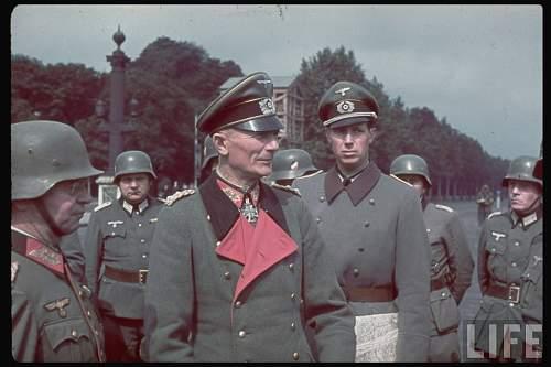 Click image for larger version.  Name:Georg Stumme Fedor von Bock Heinrich Graf von Lehndorff-Steinort.jpg Views:105 Size:97.8 KB ID:919549