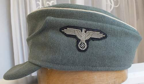 SS Officer's M43 cap w/ two-piece insignia