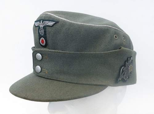 Click image for larger version.  Name:Gebirgsjäger cap and jacket 001.jpg Views:184 Size:77.5 KB ID:931982