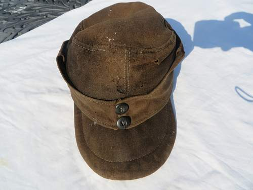 Cap from Guernsey, but no idea what it is.