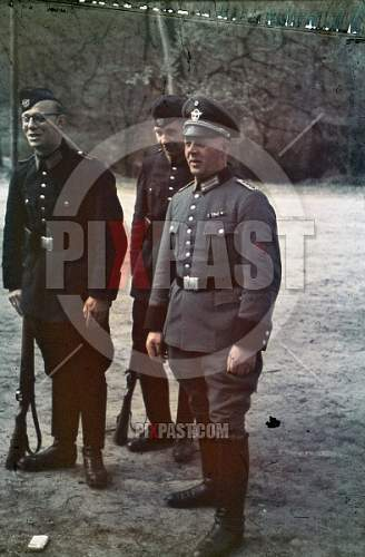 Click image for larger version.  Name:stock-photo-military-field-police-officer-inspecting-training-bremen-1939-12342.jpg Views:53 Size:212.1 KB ID:968176