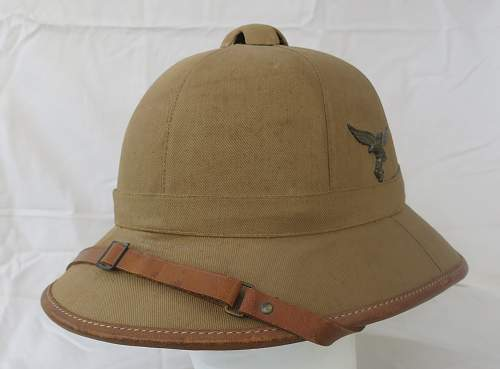Click image for larger version.  Name:Luftwaffe sun helmet by Pose Berlin 003.jpg Views:78 Size:214.7 KB ID:970804