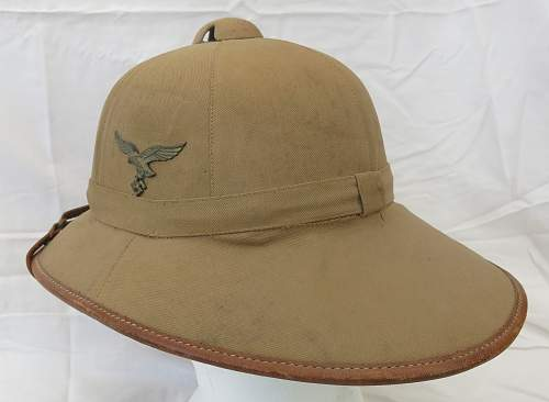 Click image for larger version.  Name:Luftwaffe sun helmet by Pose Berlin 017.jpg Views:56 Size:226.2 KB ID:970811
