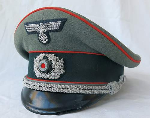Click image for larger version.  Name:Artillery cap and tunic 001.jpg Views:41 Size:221.1 KB ID:989315