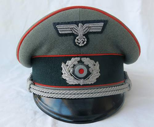 Click image for larger version.  Name:Artillery cap and tunic 003.jpg Views:27 Size:221.2 KB ID:989317