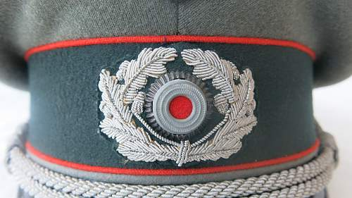 Click image for larger version.  Name:Artillery cap and tunic 005.jpg Views:25 Size:231.9 KB ID:989319