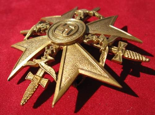 Click image for larger version.  Name:087 Spanish Cross in Gold with swords.jpg Views:280 Size:204.7 KB ID:103247