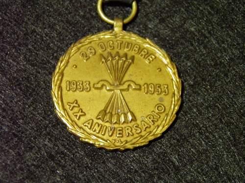 Click image for larger version.  Name:falange medal2.jpg Views:9 Size:183.5 KB ID:1051494