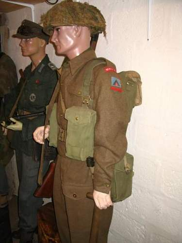 Click image for larger version.  Name:British Infantryman - Normandy.JPG Views:100 Size:41.4 KB ID:119994