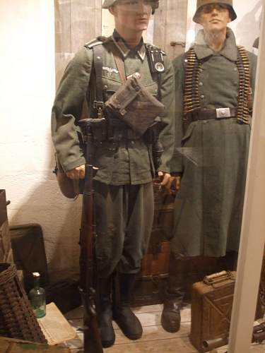 Click image for larger version.  Name:Original WW2 M36 pattern early tunic and trousers, complete equipment, K98 and boots.jpg Views:379 Size:248.7 KB ID:119998