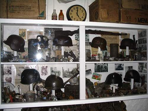 Click image for larger version.  Name:Relics Cabinet!.jpg Views:1073 Size:251.9 KB ID:119999