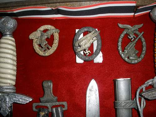 Luftwaffe FJ para badge and gravity knife