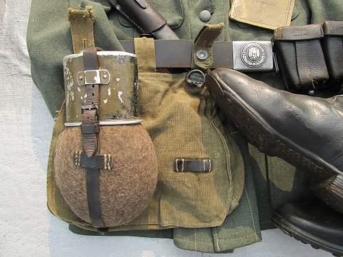 Heer Soldier battle worn display