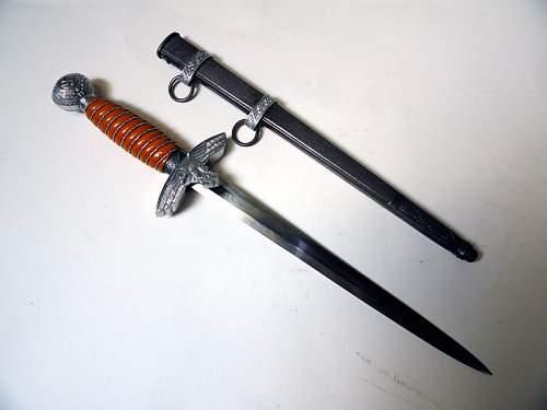 Click image for larger version.  Name:Luftwaffe Dagger 2nd model WKC Solingen.jpg Views:348 Size:62.7 KB ID:151342