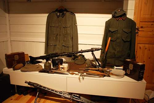 My new militaria (Mg34, MG42, K98, uniforms and Gear)