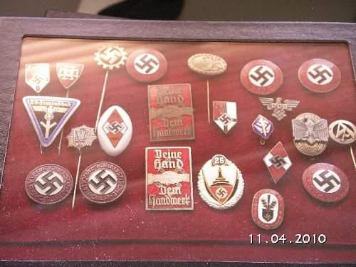 Click image for larger version.  Name:110410 Enamelled badges.jpg Views:42 Size:175.2 KB ID:177269