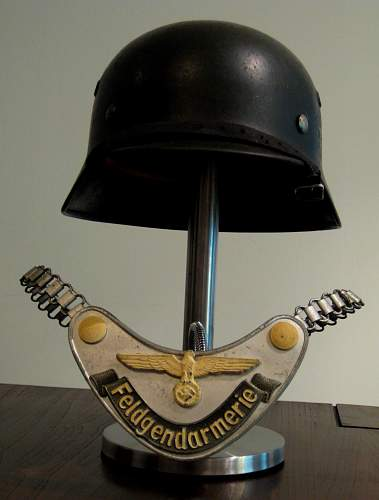 Police lid and Gorget display