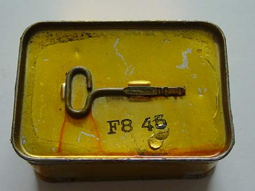 Click image for larger version.  Name:Canadian Royal Navy life raft tin key..jpg Views:157 Size:148.9 KB ID:200574