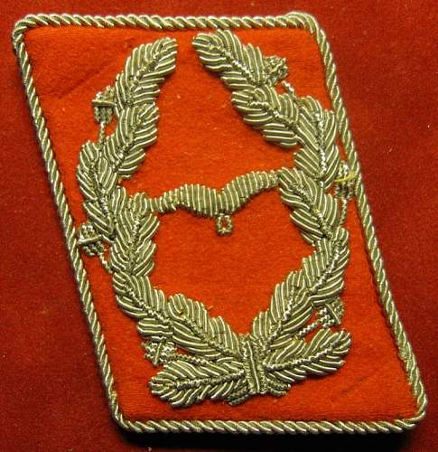 Click image for larger version.  Name:237 Luftwaffe Lt Col Ranks Burgundy Piped Collar Tab.jpg Views:598 Size:96.8 KB ID:212597