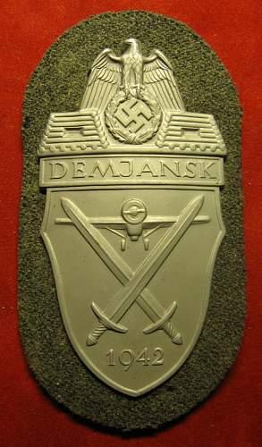 Click image for larger version.  Name:056 Demjansk Badge.JPG Views:343 Size:150.0 KB ID:212652
