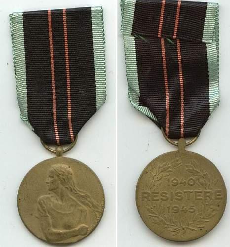 Click image for larger version.  Name:RESISTANTS MEDAL 1940-1945 SBS.JPG Views:51 Size:69.2 KB ID:29501
