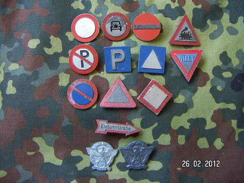 Small TR Donation badge/tinnie collection.