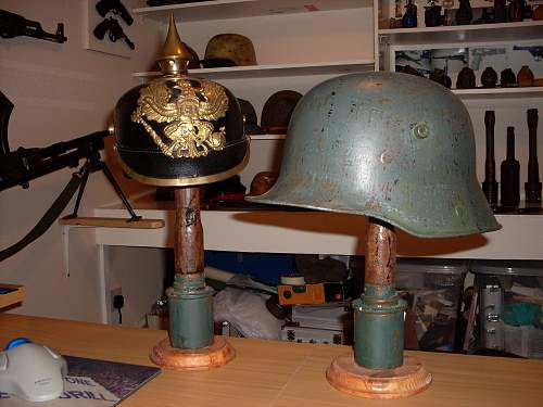 Click image for larger version.  Name:helmet stands 002.jpg Views:231 Size:239.9 KB ID:313977