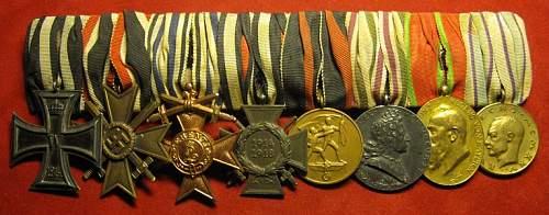 Click image for larger version.  Name:181 8pce Bavarian medal bar.JPG Views:396 Size:118.8 KB ID:335988