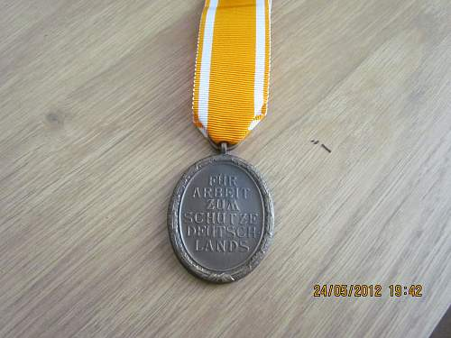 Click image for larger version.  Name:Westwall Medal (2).jpg Views:49 Size:165.6 KB ID:350894