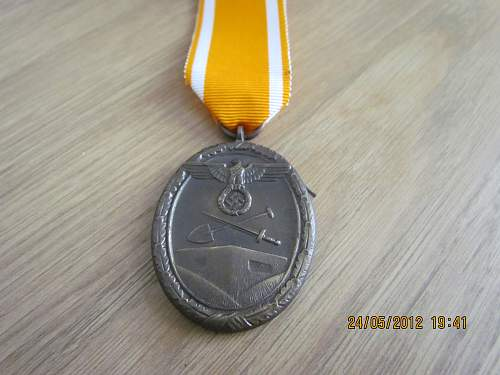 Click image for larger version.  Name:Westwall Medal (4).jpg Views:48 Size:134.3 KB ID:350897