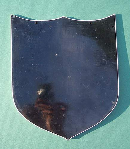 Click image for larger version.  Name:2nd Corps Plastic Insignia Shield 005.jpg Views:145 Size:215.5 KB ID:366632