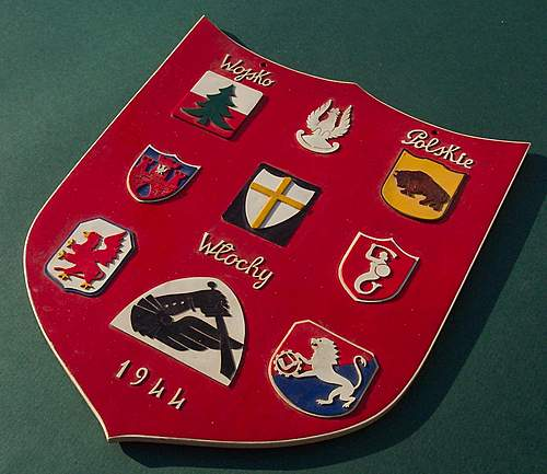 Click image for larger version.  Name:2nd Corps Plastic Insignia Shield 015.jpg Views:238 Size:169.5 KB ID:366633