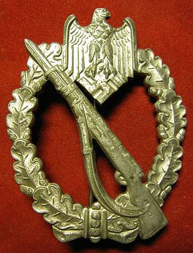 Click image for larger version.  Name:450 Infanteri Badge.JPG Views:103 Size:185.2 KB ID:393872