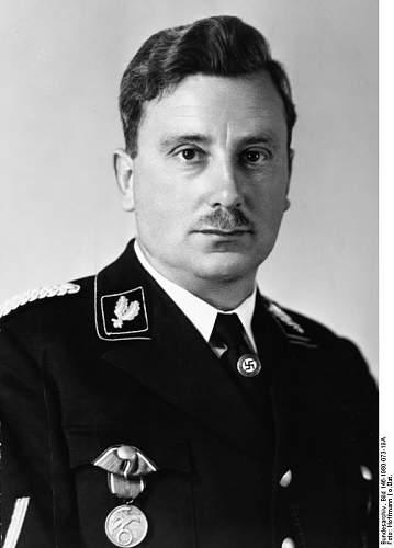 Click image for larger version.  Name:Bundesarchiv_Bild_146-1980-073-19A%2C_Emil_Maurice.jpeg Views:762 Size:34.6 KB ID:403370