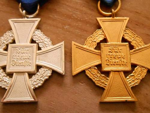 Click image for larger version.  Name:service medal 2.jpg Views:38 Size:224.1 KB ID:412627