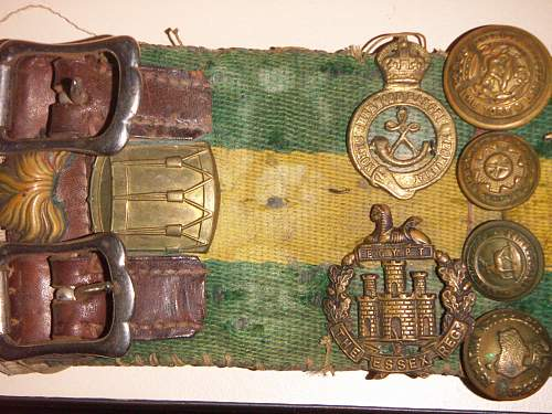 WW2 North African/Middle East campaign badge belt and others.