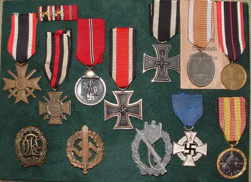 Click image for larger version.  Name:German Medal Coll (6).jpg Views:81 Size:255.6 KB ID:44596
