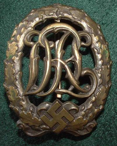 Click image for larger version.  Name:German Medal Coll (7).JPG Views:136 Size:138.6 KB ID:44597