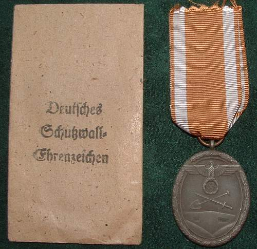 Click image for larger version.  Name:German Medal Coll (20).JPG Views:65 Size:183.6 KB ID:44601