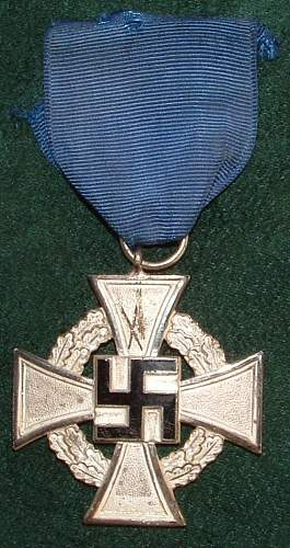 Click image for larger version.  Name:German Medal Coll (60).JPG Views:64 Size:102.1 KB ID:44615